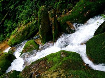 【创意摄影】~峡谷瀑布