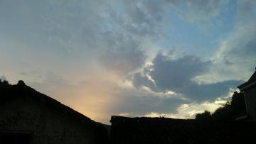 美丽的天空与你相伴