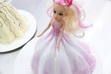 送上一款情景蛋糕