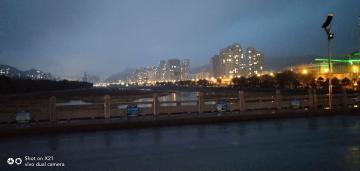 秋日冷雨夜