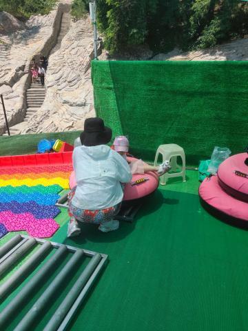 网红彩虹滑梯